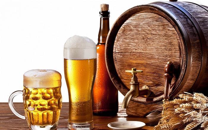 Đồ uống có cồn có hại cho sức khỏe người cao tuổi.
