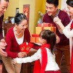 Phong tục tặng quà Tết –  nét đẹp trong tâm hồn người Việt