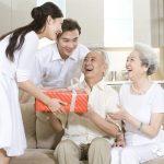 Top 10 món quà biếu người già trong ngày Tết