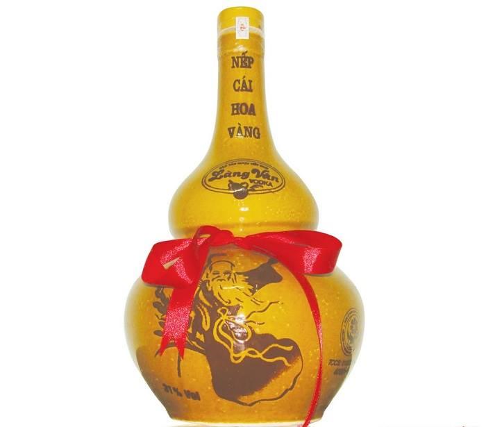 Rượu nếp cái hoa vàng Làng Vân là tinh túy nhất của trời đất ban.