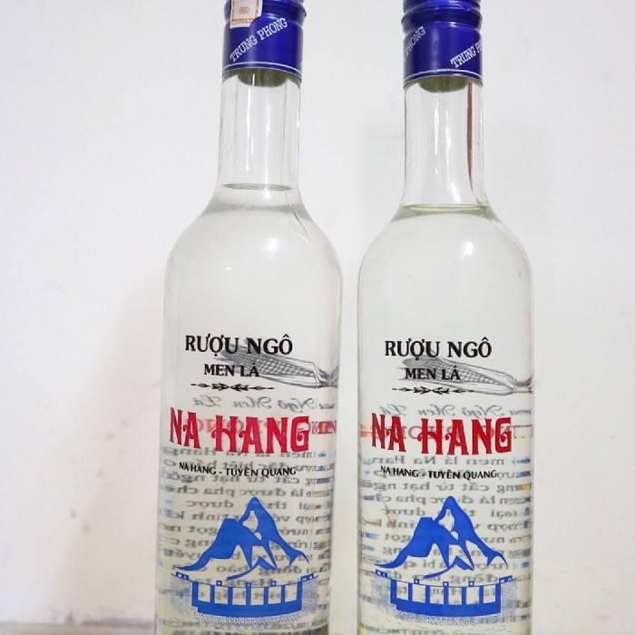 Rượu ngô là món quà quý của huyện vùng cao Na Hang mang đậm hương vị ngô ngọt mát.