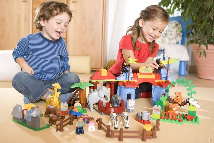 Chọn loại đồ chơi phù hợp tính cách, lứa tuổi làm quà Tết trẻ con.