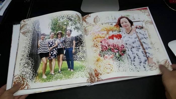 Tặng ông bà album ảnh ghi lại những hình ảnh, kỉ niệm của gia đình, con cháu.