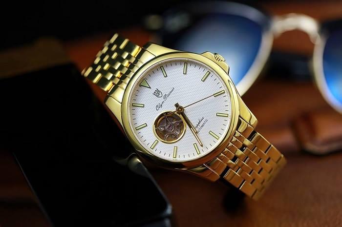 Tặng đồng hồ cho người già khiến họ nghĩ mình sống không thọ.