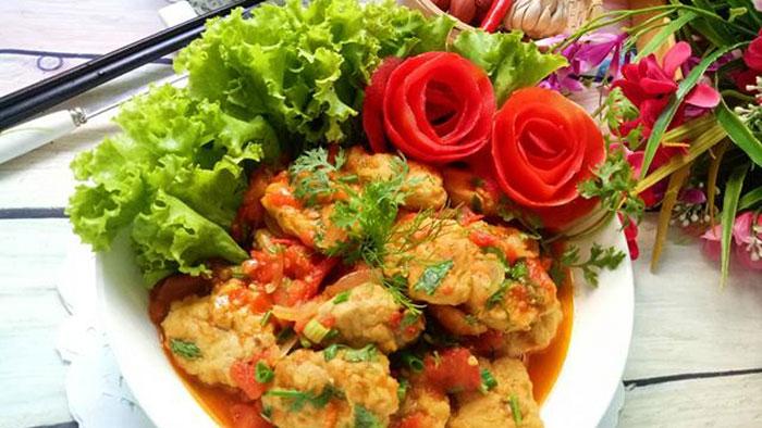 Món chả cá thu Nha Trang sốt cà chua